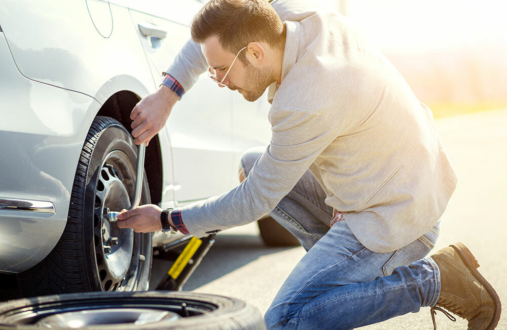 Easy Guide how to change a flat tire